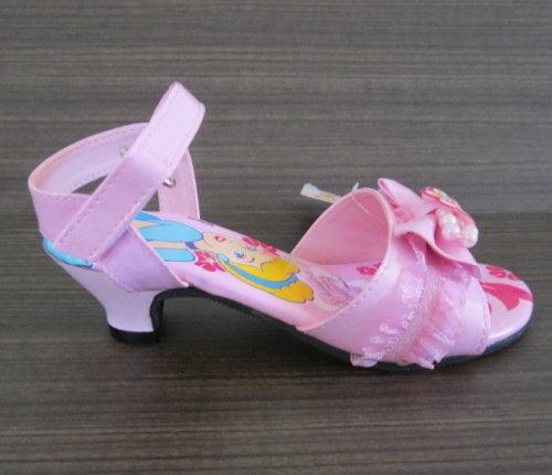 246257-2-sepatu-sandal-disney-princess-asli